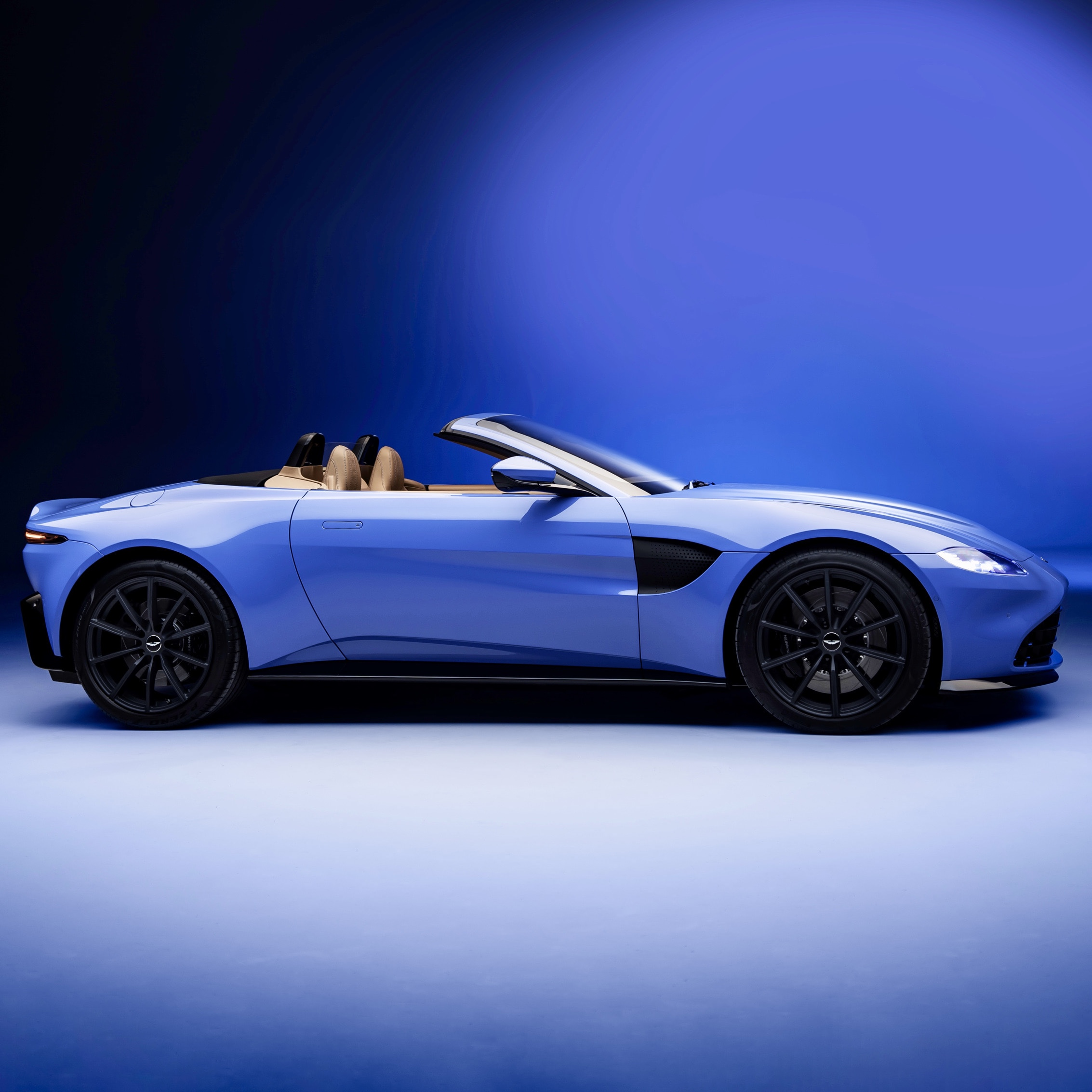 Aston Martin Debuts All New Vantage Roadster • Hype Garage
